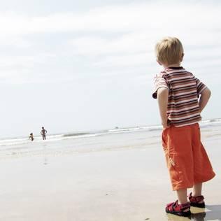 Junge am Strand - Familien-Urlaub Norderney
